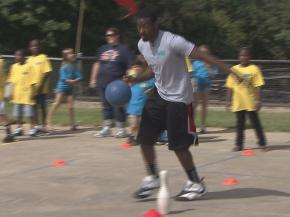 John Wall joined kids at Hunter Elementary School in Raleigh for the first day of class on Aug. 27, 2012.