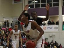 Isaiah Hicks put on a show of selfless basketball and impressed a packed house at the HighSchoolOT Holiday Invitational.