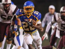 Garner outscored Wakefield to advance to the third round, 76-34.