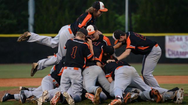 New Hanover sweeps Holly Springs, advances to 4A baseball