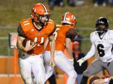Football: Havelock vs. Orange (Nov 25,  2016)