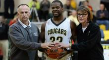 IMAGE: Boyd scores 2,000th career point as Apex beats Middle Creek