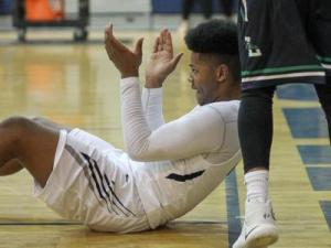 Boys Basketball: Leesville Road vs. Heritage (Jan. 20, 2017)