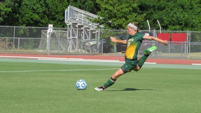 A C Reynolds Holds On For 3 A Soccer Title