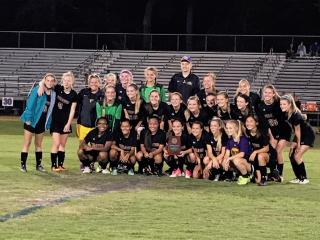 Corinth Holders defeats Terry Sanford 1-0 to advance to 3A girls soccer state championship game.